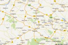 Jharkhand: Political parties use topis, bindis, braclets to woo voters