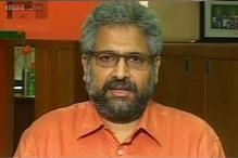 Siddharth Varadarajan claims thugs beat up his flat care taker