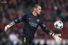 Spain keeper Valdes to miss World Cup, out for seven months