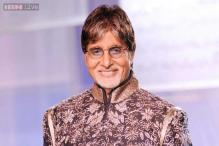 Amitabh Bachchan ditches his old black frames for new specs; looks younger
