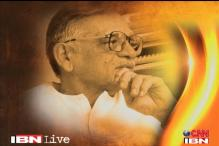 Lyricist-filmmaker Gulzar to be honoured with Dadasaheb Phalke award