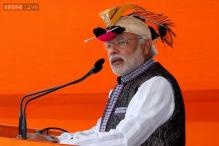 Photos: From 'pagdi' to 'peta', politicians seen wearing ethnic and colourful headgear while campaigning across India