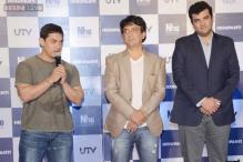 Jackie Shroff's family comes together for the trailer launch of son Tiger's debut film 'Heropanti'