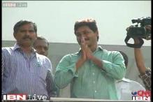 LS polls: YSR Congress promises 'golden era' in Seemandhra, Telangana