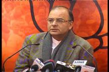 Former policeman creates ruckus in Jaitley's press conference