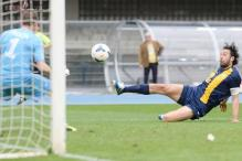 Luca Toni double helps Verona thrash Catania 4-0 in Serie A