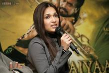 Dad did 'Kochadaiiyaan' not because I am his daughter: Soundarya