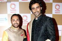 Snapshot: Optical illusion? Kunal Kapoor towers over Rahul Bose