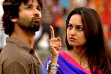 Sonakshi Sinha annoyed by link-up rumours with Shahid Kapoor