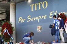 Barcelona players gather in memory of Tito Vilanova