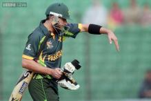 Ashraf denies reports of bookie approaches to Afridi, Umar
