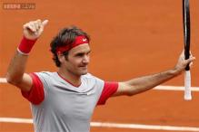 Roger Federer reaches second round at French Open
