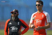 England need wicket-taking spinner, says Mushtaq Ahmed