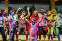 Snapshot: More than 200 students, professors and residents join Holi celebrations at Oxford University