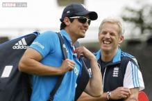 England coach Moores won't take captaincy off Cook