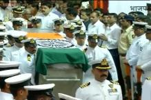 Live: Mortal remains of Gopinath Munde consigned to flames