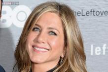 Jennifer Aniston goes back to blonde tresses after rocking brunette hair