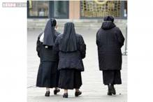 Nuns sue strip club near their Chicago-area convent