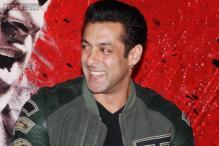 Salman Khan compares Jacqueline Fernandez with Zeenat Aman
