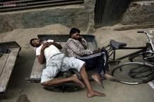 Hot Sunday morning in Delhi