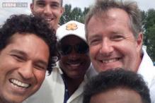 Snapshot: Sachin Tendulkar clicks the sports version of the Oscar selfie with Brian Lara, Kevin Pietersen and Muttiah Muralitharan