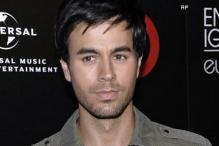 Enrique Iglesias, Romeo Santos dominate awards event