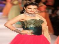 Ameesha, Sunny and Chitrangada walk the ramp at India International Jewellery Week