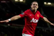 Manchester United add Hernandez for US tour