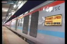 Train to Katra stuck in tunnel for nearly 2 hours due to engine failure