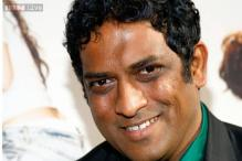 'Barfi!' director Anurag Basu warns against fake Facebook account
