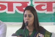 Congress leader Nagma visits Meerut rape victim in hospital