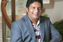 Prakash Raj escapes accident, takes to Twitter to ridicule bystanders for their inhuman attitude
