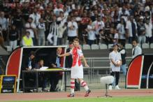 Champions League play-off: Ramsey sees red as Arsenal held to a draw at Besiktas