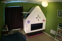 Man gifts his four-year-old son a NASA spaceship simulator - right in his bedroom!