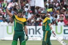Du Plessis leads South Africa to tri-series win at Harare