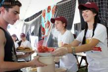 UMass starts semester with a giant world record-setting clambake dinner that cost $70,000!