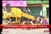 Caught on camera: Tempo carrying Ganesha idol, devotees overturns in Hyderabad