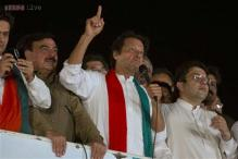 Pakistan: Imran Khan vows to stay in front of Parliament till PM Sharif quits