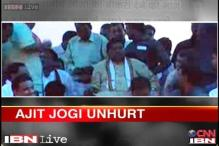 Former Chhattisgarh CM Ajit Jogi falls from the dais, escapes unhurt