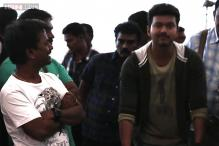'Kaththi' behind-the-scenes: Vijay dances, Samantha blushes, AR Murugadoss takes it easy on the set