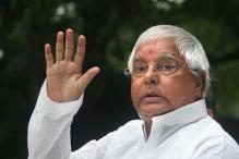 Hearty and cheerful Lalu Prasad walks out of Mumbai hospital