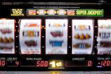 German man wins enough money on slot machine to pay fine and avoid jail time just as police arrive to arrest him