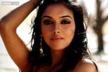 'Ghajini' actress Asin Thottumkal celebrates her 29th birthday in Paris