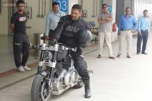 'Biker' MS Dhoni enthralls fans at Buddh F1 track