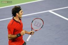 Roger Federer beats Gilles Simon to win the Shanghai Masters