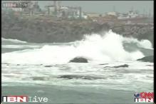 Cyclone Hudhud brings back memories of last year's Phailin