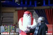 Watch: President Pranab Mukherjee meets Santa Claus
