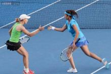 Sania Mirza-Cara Black enter semis at year-end WTA Finals