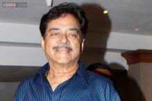 Shatrughan Sinha praises Narendra Modi for 'Swachh Bharat' campaign