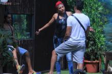 Bigg Boss 8, Day 45: Karishma Tanna hits Gautam Gulati, gets into a spat with Sonali Raut